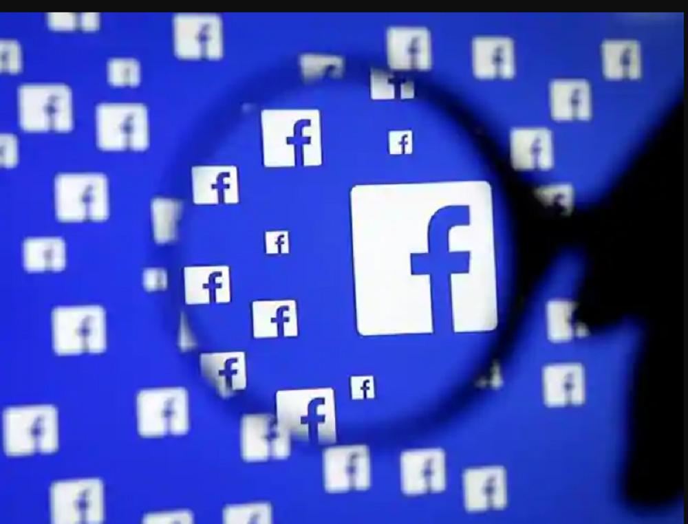 التسوق والتجارة الالكترونية على واتساب وفيسبوك